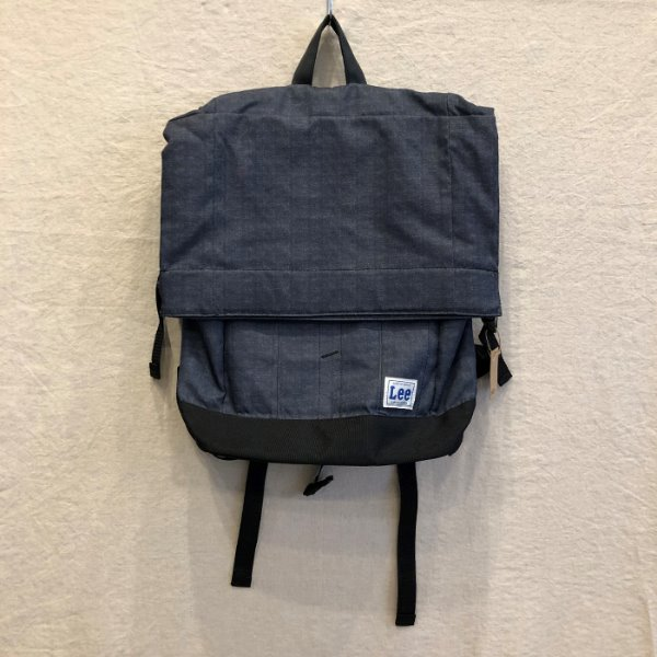 Lee back pack